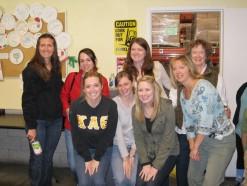 Alums volunteer at the SF Foodbank