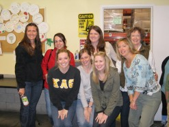 Alums volunteer at the SF Foodbank